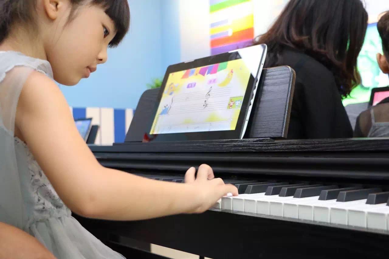 TheONE智能钢琴教育