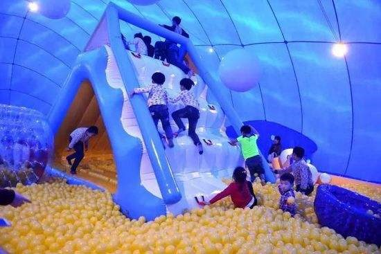 大蓝鲸亲子趣拍