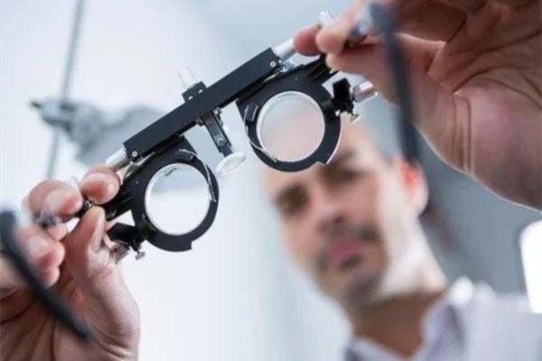 易视康视力矫正