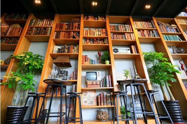 春雨书店加盟费?十几万就能开一家书店