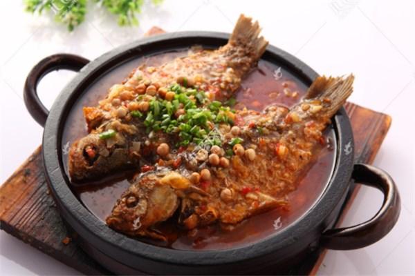 一品石锅鱼
