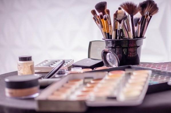 加盟化妆品品牌应该怎样选择?这几个品牌发展不错