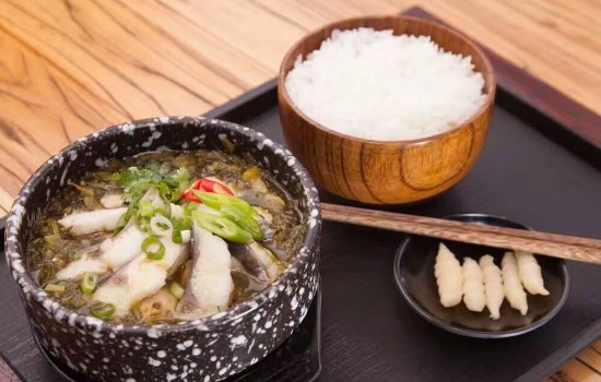 此間有魚酸菜魚米飯