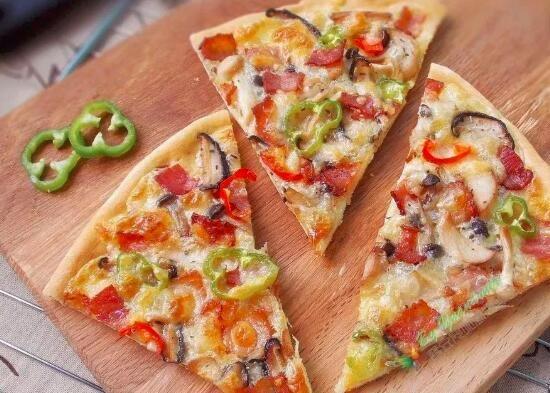 地盘薄底比萨